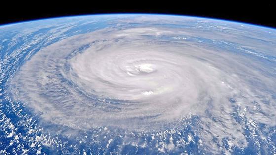 국제우주정거장(ISS)에서 바라본 태풍 노루(2017.8.1)의 모습. [사진 NASA 홈페이지]