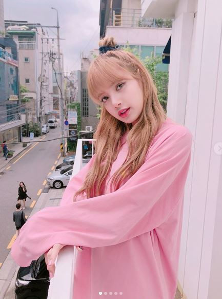 Photo from Instagram @lalalalisa_m