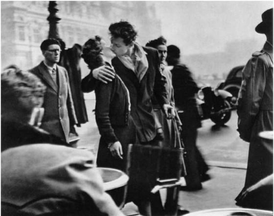 로베르 두아노 <호텔 드 빌 앞의 키스>, 1950년