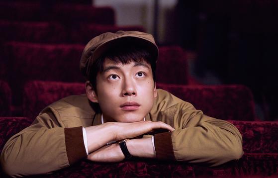 영화 '오늘 밤, 로맨스 극장에서' 사카구치 켄타로(27)가 연기한 영화감독 지망생 켄지. [사진 엔케이픽쳐스]