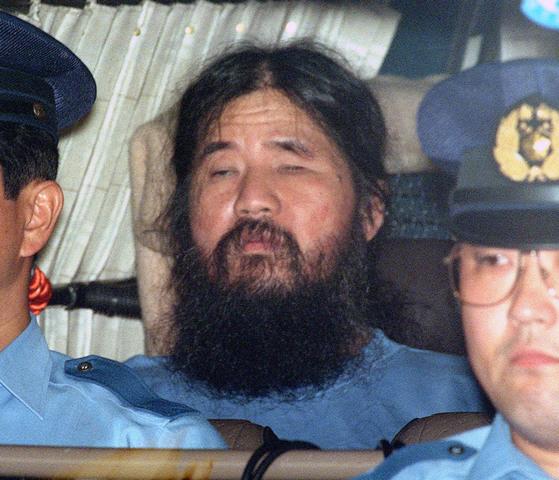 1995년 일본 전역을 공포로 몰아넣었던 도쿄 지하철역 사린가스 테러사건의 주모자로 복역 중 6일 사형이 집행된 옴진리교 교주 아사하라 쇼코(麻原彰晃)[도쿄 교도=연합뉴스]