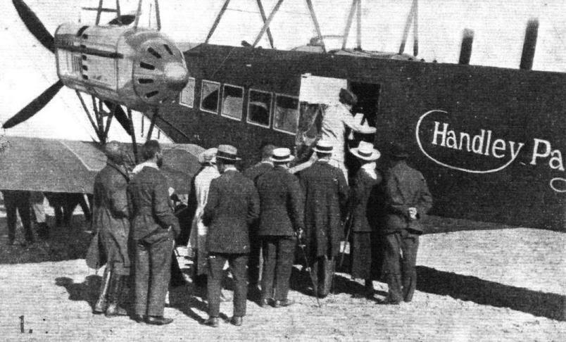 1910년대 런던과 파리를 오가던 핸들리 페이지 수송의 항공기. [중앙포토]