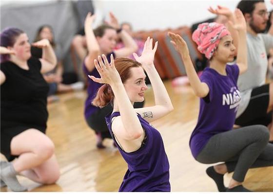 서울여자대학교는 바롬국제프로그램(BIP)에 참가한 학생들을 대상으로 K-POP 댄스 배우기 등 한국을 체험할 수 있는 다양한 프로그램을 진행하고 있다