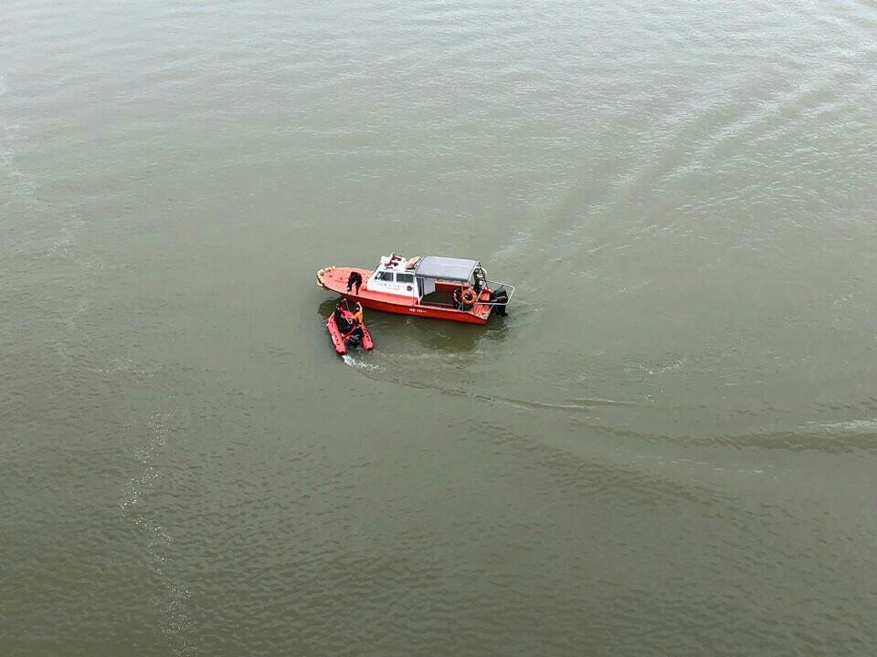 유튜버 양예원씨 사진 유출 사건과 관련해 경찰 조사를 받던 스튜디오 실장 A씨가 9일 북한강에 투신해 경찰과 소방당국이 수색 중이다. [사진 하남소방서]
