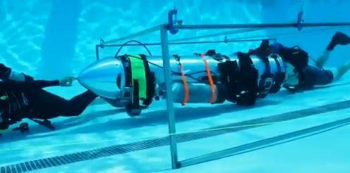 일론 머스크 측이 시험중인 '소년 크기 잠수함' [사진 일론 머스크 트위터 캡처]