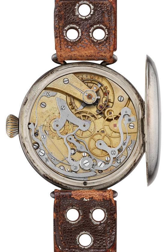 요즘 클래식 디자인, 빈티지 워치에 대한 관심이 높아지면서 옛날 시계를 재현하는 '복각' 움직임도 활발하다. 사진은 1913년에 만들어진 오메가 최초의 크로노그래프 손목시계. 오메가는 올해 이 시계를 18점 한정 복각 제작한다고 밝혔다. [사진 오메가]