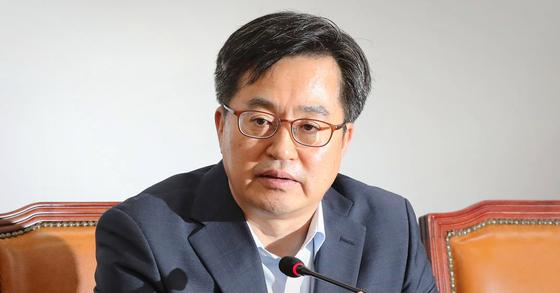 김동연 부총리 겸 기획재정부 장관이 12일 오전 국회에서 발언하고 있다. [뉴스1]