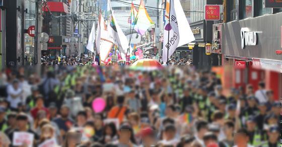 2017년 열린 퀴어축제 자료사진. [중앙포토]