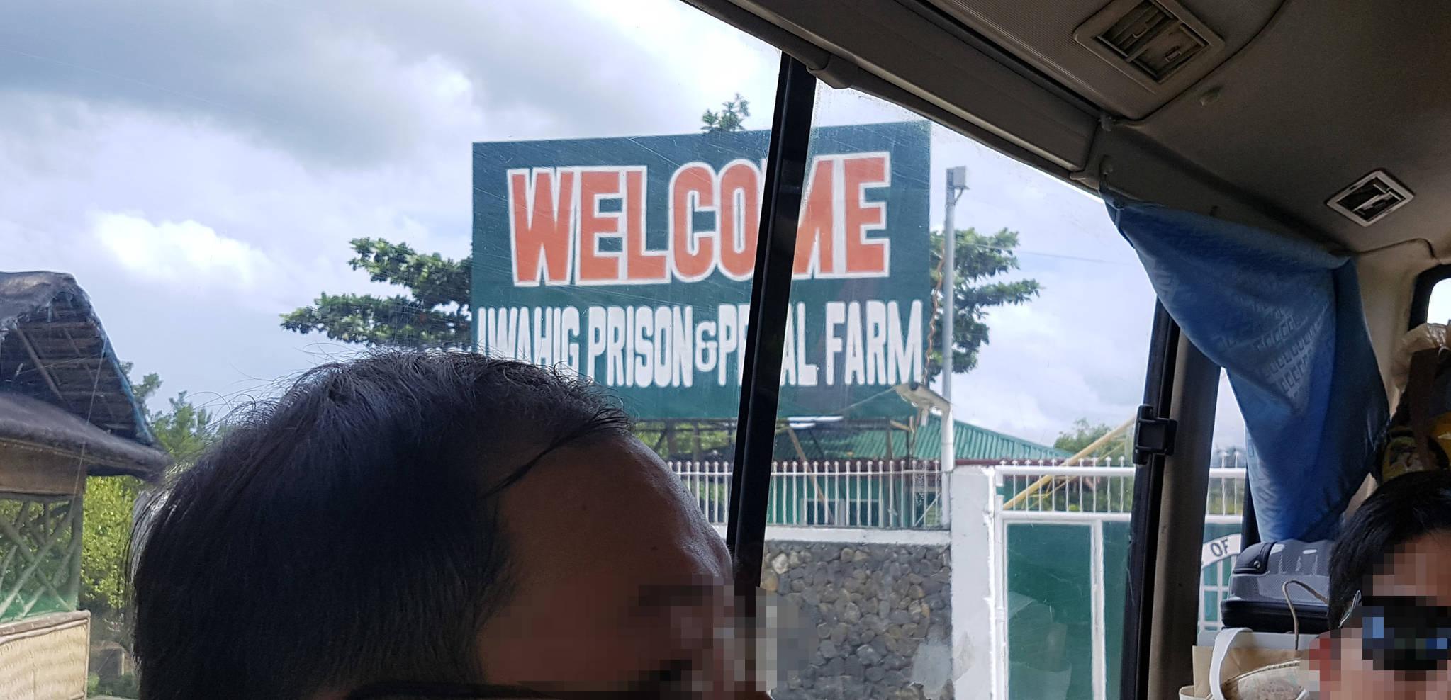필리핀 팔라완 이와힉 개방 교도소 입구에 환영 간판이 보인다. 변선구 기자