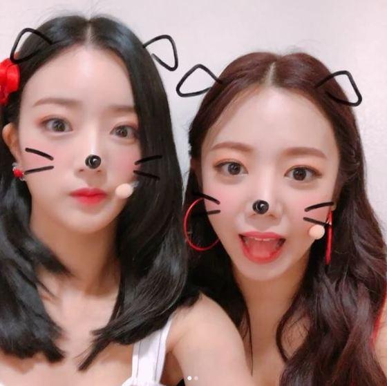 윤보미(왼쪽)와 에이핑크 김남주. [사진 윤보미 인스타그램]