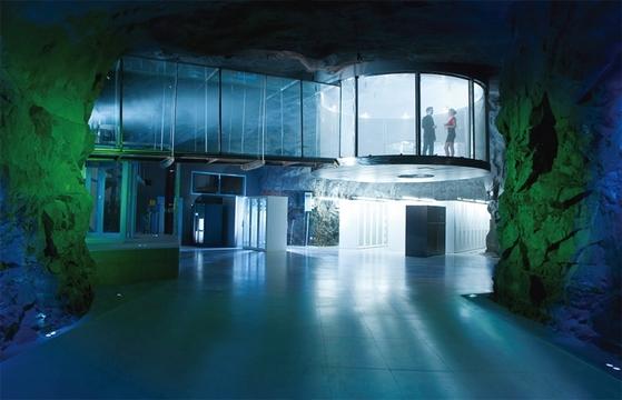 스웨덴 인터넷 기업 반호프의 데이터센터(피오넨)는 과거 핵 벙커를 활용해 사무실로 꾸몄다. / 사진:반호프 제공, 아크데일리