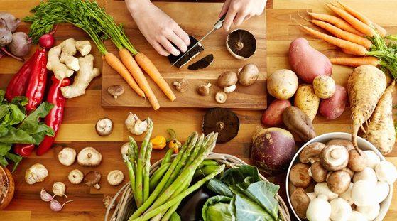필수영양소인 단백질, 탄수화물, 지방이 함유된 음식을 골고루 먹어 건강한 체중 감량을 할 수 있는 다이어트 방법 IIFYM이 최근 인기를 끌고 있다. [중앙포토]