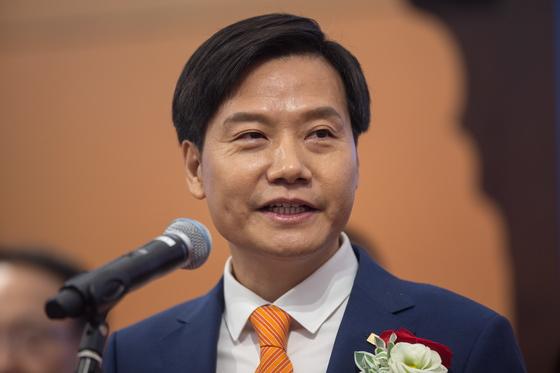 지난 9일 사오미의 홍콩 증권거래소 상장 기념행사에 참석한 레이쥔 회장. [EPA=연합뉴스]