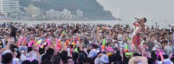 지난해 열린 부산 바다축제의 한 장면.[사진 부산시]