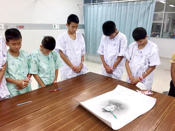태국 동굴소년들, 구조대원 추모