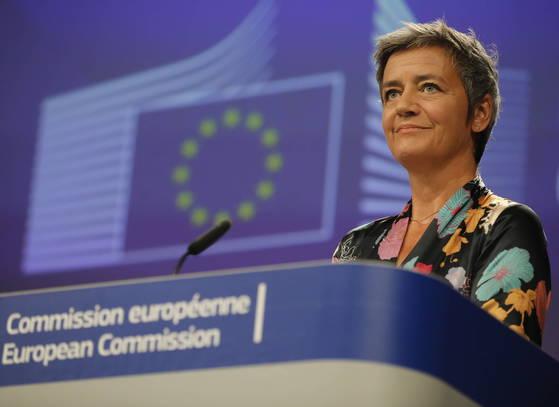 마그레테 베스타거 EU 집행위원회 경쟁담당위원은 구글의 반독점 행위에 대한 조사를 이끌어 왔다. [EPA=연합뉴스]