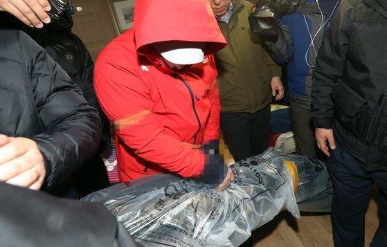 환경미화원인 동료를 살해하고 시신을 쓰레기봉지에 넣어 소각장에 유기한 혐의로 기소된 피의자 A씨에 검찰이 17일 사형을 구형했다. [뉴스1]