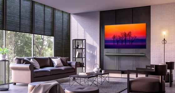 LG전자의 올레드 TV 모습. LG전자는 효자 상품 올레드 TV의 롱런으로 지난 1분기 HE사업본부 영업이익률이 사상 최대인 14%를 기록했다. [사진 LG전자]