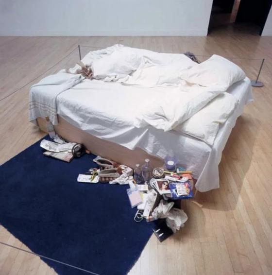 트레이시 에민, 내 침대,1998 , 2014년 런던 크리스티 43억9천만원 낙찰,