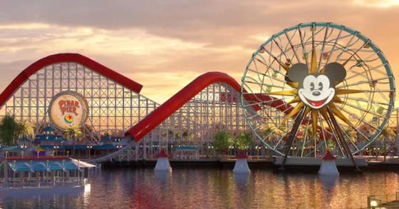 미국 디즈니랜드 리조트는 26일(현지시간) 캘리포니아 테마파크 내 직원들의 최저임금을 2019년 1월부터 시간당 15달러로 인상하겠다고 밝혔다. [사진 디즈니랜드 홈페이지 캡처]