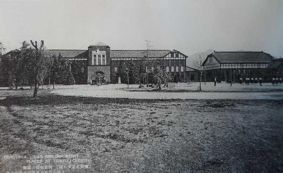 1930년대 대구공립여자고등보통학교 전경. [사진제공 올댓플랜창]