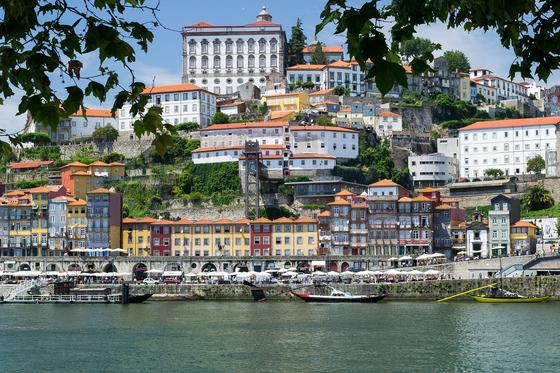 포르투갈 최남단 지역인 라고스는 은퇴 후 세계에서 가장 살기 좋은 도시로 2년 연속 선정되었다. [사진 pixabay]