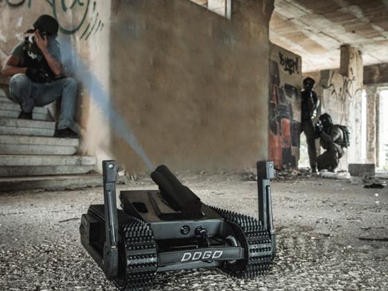 이스라엘 제너럴 로보틱스가 개발한 킬러 로봇. 원격 조정으로 권총 총탄을 발사할 수 있다. [중앙포토]