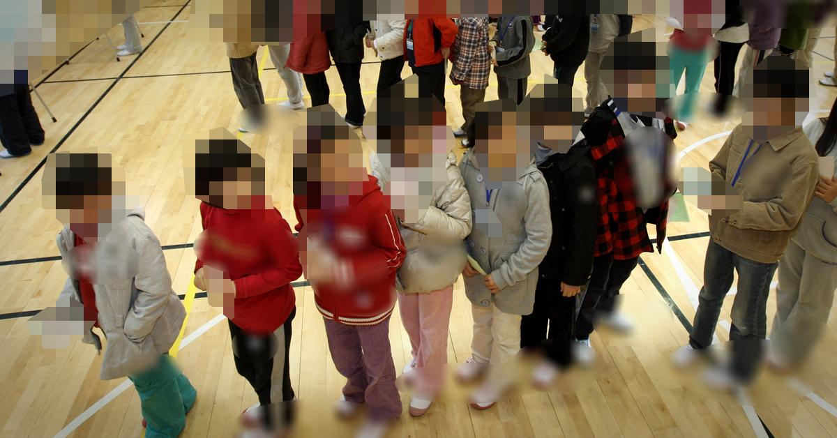 한 초등학교에서 초등학교 학생들이 줄 서 있다. (※이 사진은 기사 내용과 직접적인 관련이 없습니다) [중앙포토]