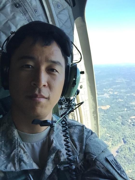미 예비군의 헬리콥터 정비군 훈련을 받았을 당시 헬리콥터에서 찍은 사진. [사진 남선우]