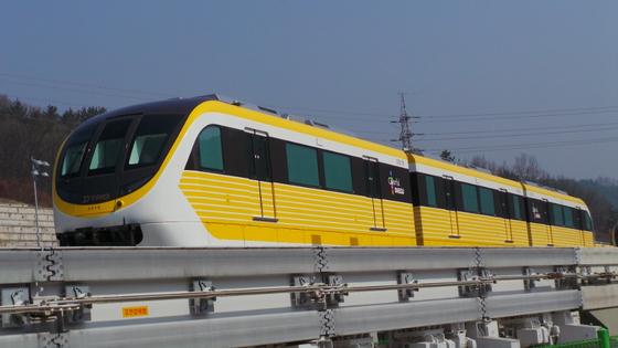 대구 모노레일. 궤도를 달리는 무인 열차. [사진 대구도시철도공사]