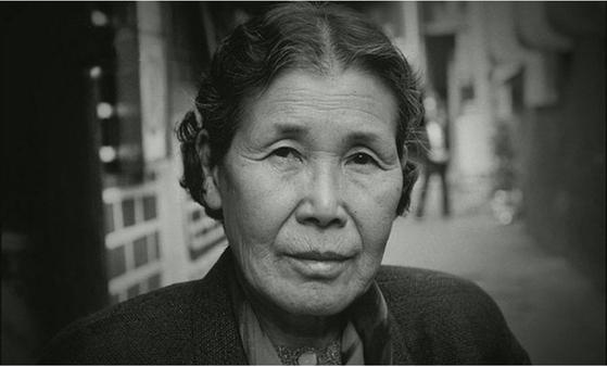 1991년 8월 14일 일본군 '위안부' 피해자 중 최초로 공개 증언에 나선 김학순 할머니. 할머니의 용기 있는 증언 후 피해자와 피해자의 유족들로부터 신고가 잇따랐다.