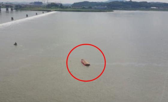 김포 구조대원 2명 급류에 휩쓸려 실종. [사진 경기재난안전본부]