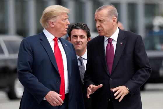 트럼프(左), 에르도안(右). [로이터=연합뉴스]