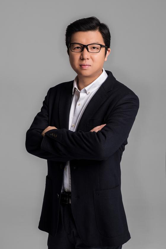 """전세계 7억명 사용자를 보유하고 있는 동영상 앱 콰이쇼우의 수화 최고경영자(CEO)는 중앙일보와의 인터뷰에서 """"어떤 사회적 조건·지위에 있는 사람들도 평등하게 자신의 생활을 기록할 수 있어야 한다는게 콰이의 철학""""이라고 강조했다. [사진 콰이쇼우]"""