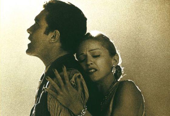 안토니오 반데라스와 마돈나가 함께 촬영했던 영화 에비타.