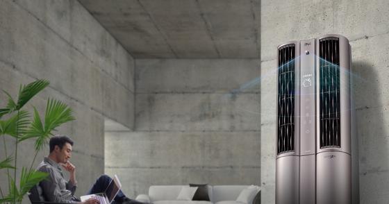 LG전자의 '휘센 씽큐 에어컨'은 공간 학습은 물론 상황 학습 기능을 갖추고 있다. 에어컨이 알아서 집안 온도나 습도, 공기질을 파악해 가장 효율적으로 작동한다. 사용자가 좋아하는 실내 온도, 바람의 세기 등을 기억했다가 최적의 방식으로 냉방한다. [사진 LG전자]
