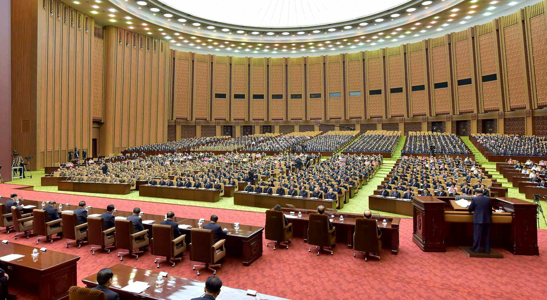 지난 4월 11일 개최된 북한 최고인민회의 제13기 6차 회의가 만수대의사당에서 열렸다. 최고인민회의는 한국의 국회에 해당하며 헌법 수정과 법 제정·수정 등 입법권을 가진다.[연합뉴스]