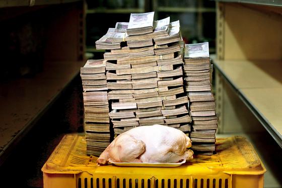 베네수엘라, 닭 한 마리 값이 이만큼 ...
