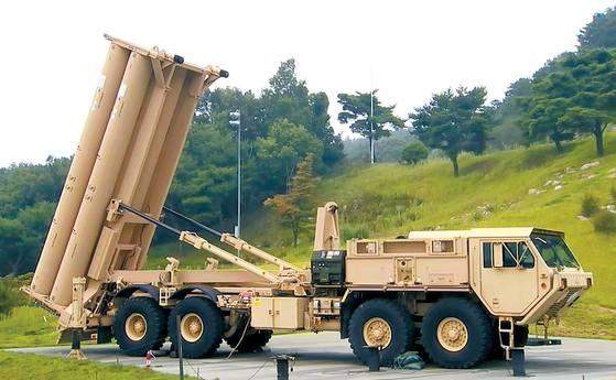 지난 7일 경북 성주군 사드 기지에 사드 발사대가 추가 배치돼 있다. 지난 4월 배치된 발사대 2기와 함께 5개월 만에 발사대 6기로 구성된 1개 포대가 완성됐다. 사진공동취재단
