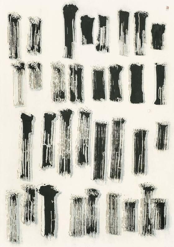'페이징(Phasing)'(2017), 한지에 혼합재료, 205 x 145 cm