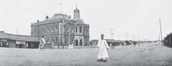 1898년 1월 서울에 설립된 한성전기회사. 대한제국이 산업진흥정책의 일환으로 세운 첫 전기회사다. 전차·전등 사업을 주관했다. [중앙포토]