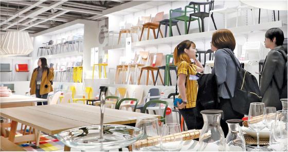 지난 19일 정식 개장한 이케아 고양점. 이케아는 1965년 창업 이래 목적과 공유가치를 모든 임직원이 공유하는 방식으로 혁신적인 기업 문화를 이어오고 있다. [뉴스1]