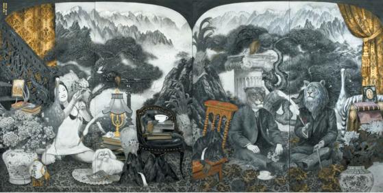 라오미의 '라이거와 타이곤의 초상'(2017), 순지에 분채, 금박 180×360㎝