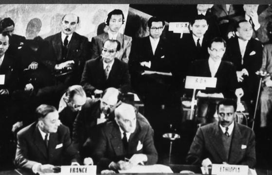 1954년 한반도 전쟁 문제를 논의하기 위해 스위스 제네바에서 열린 회담. 남북과 유엔군으로 참전한 미·영·프 등 15개국, 중·러가 참석했다. [중앙포토]