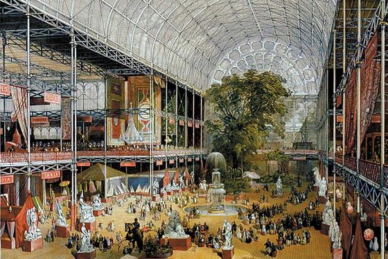 1851년 런던 만국박람회가 열린 수정궁의 내부 풍경. 윌리엄 심슨의 동판화