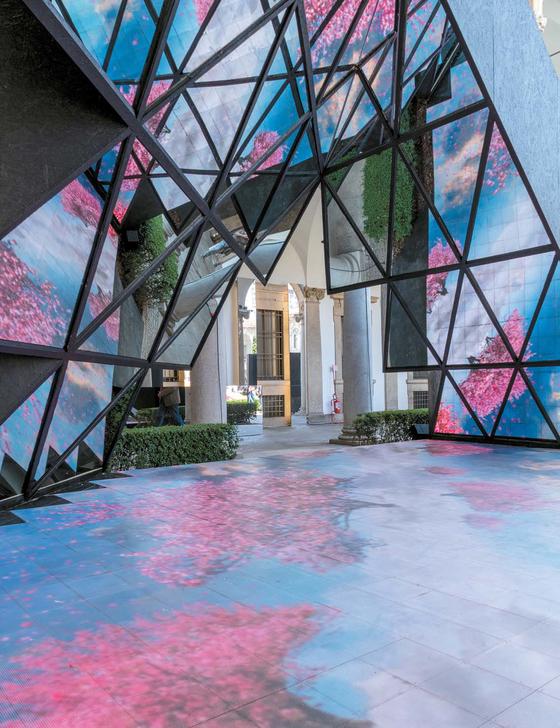 인테르니 매거진이 진행한 '하우스 인 모션' 프로젝트. 라빅스-비지오내어의 작품이다.