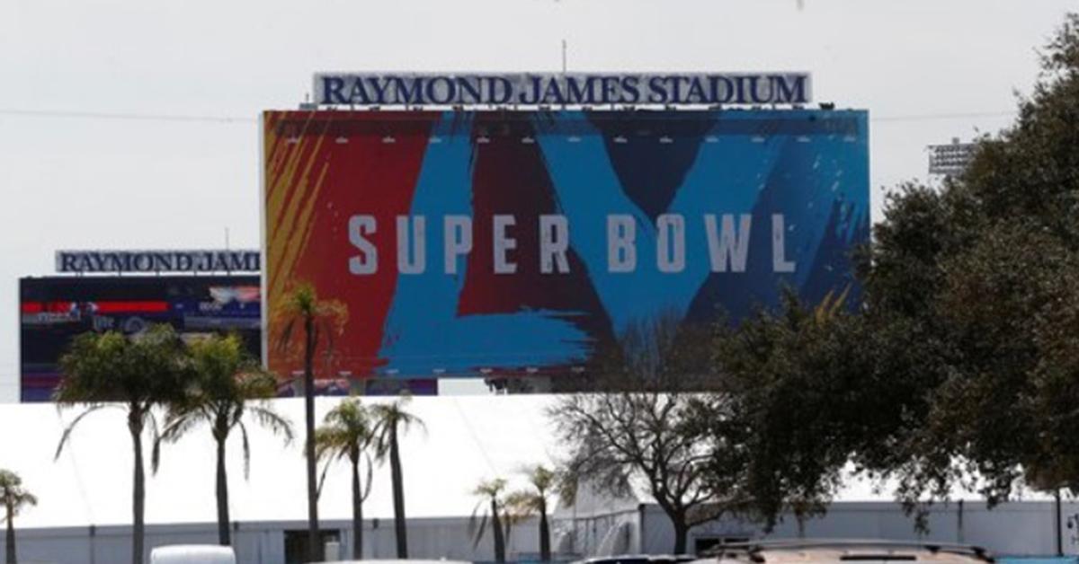 온라인 배송, 구직 및 거래 … Super Bowl, 코로나 시대의 호황을 누리고있는 기업