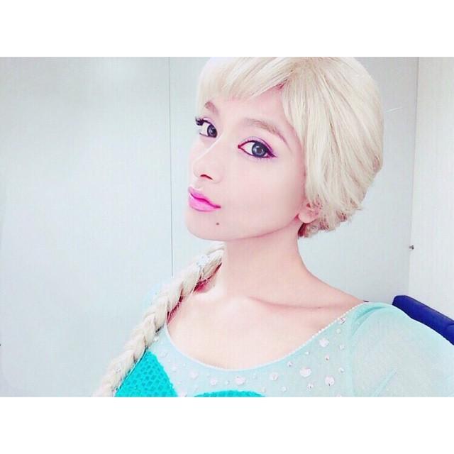 일본 혼혈모델 타키자와 로라, 싱크로 100% 엘사 코스프레로 '좋아요' 11만 돌파