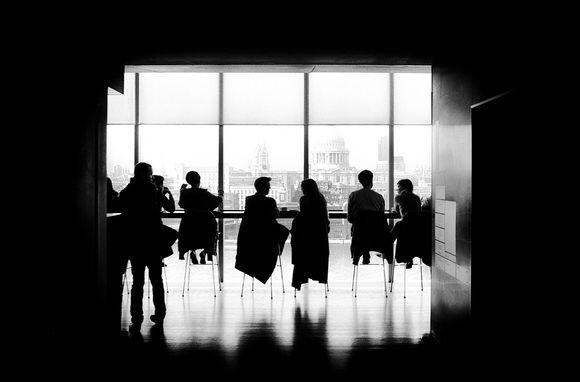 억만장자가 되고 싶은 당신을 위한 경력 개발 조언 8가지