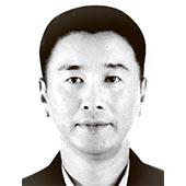 김 혁 서울시립대 교수·행정학